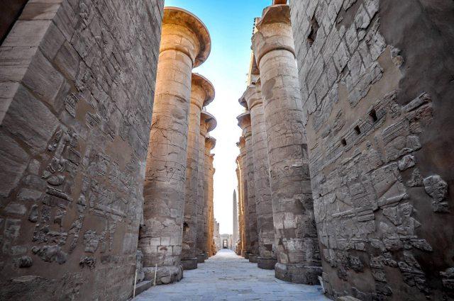 im grossen Hypostyl des Luxor Tempels