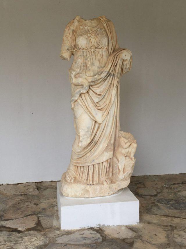 Statue der Hygieia (im Museum von Gortyne)